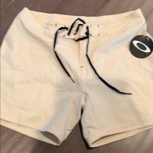 NWT Oakley shorts size 6